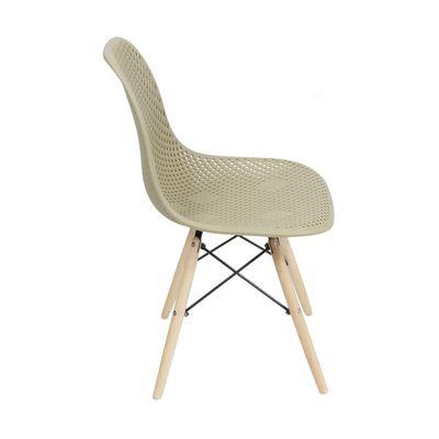 cadeira-eiffel-assento-vazado-fendi-com-base-de-madeira1