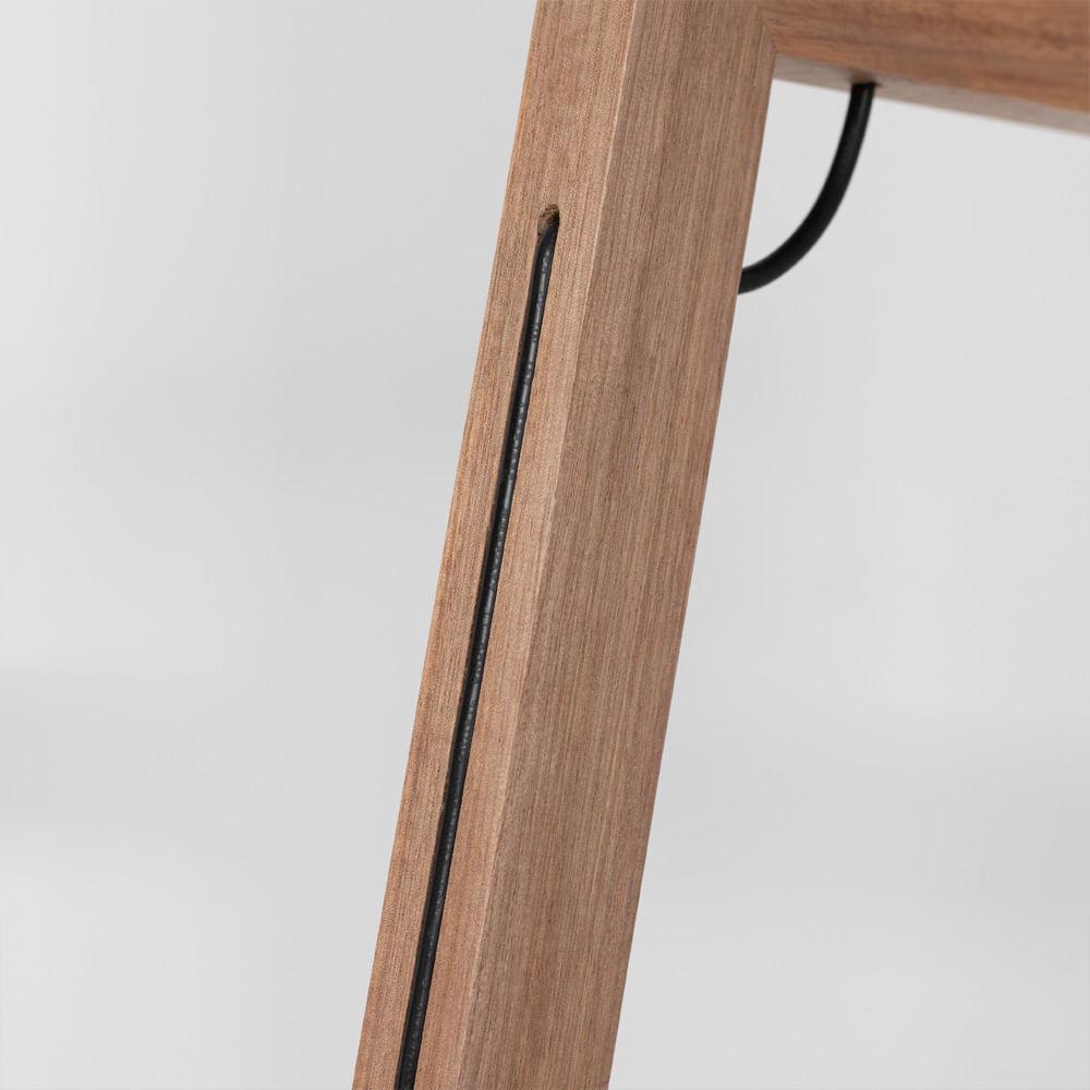 luminaria-de-pe-angulo-estrutura-madeira