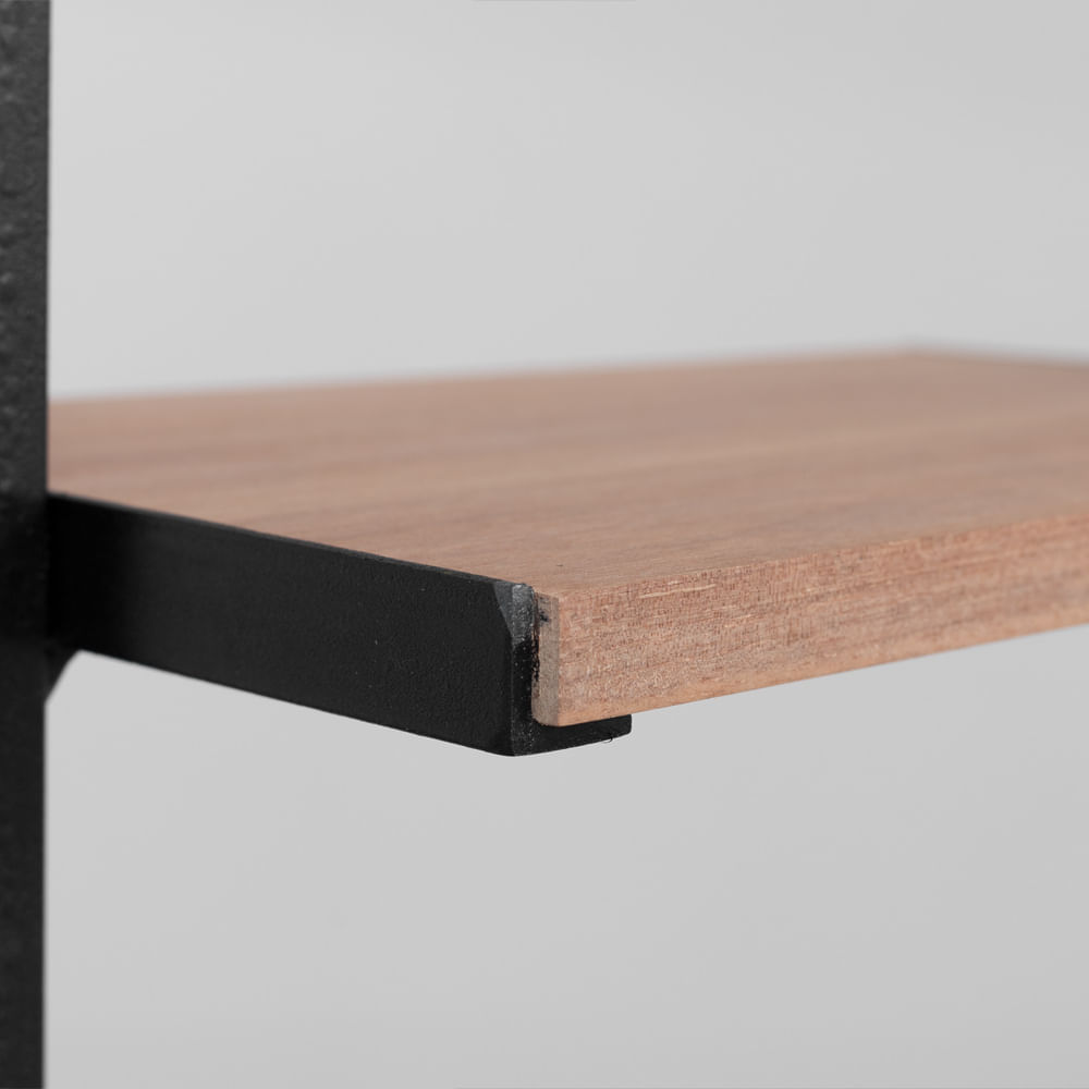 estante-degrau-na-detalhe-diagonal