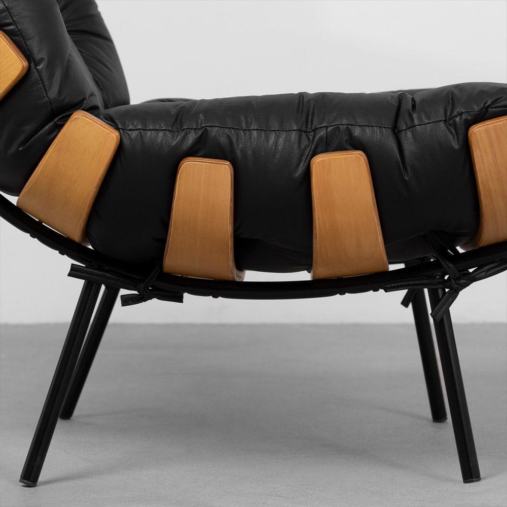 poltrona-costela-preta-detalhe-base-assento
