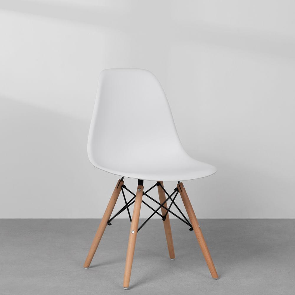Cadeiras-Eiffel-Brancas-e-Pes-Madeira-digonal