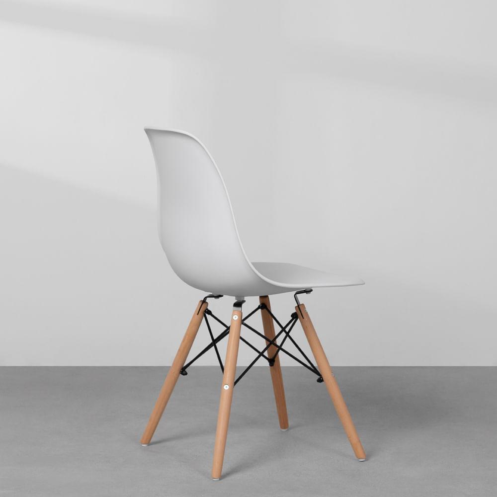 Cadeiras-Eiffel-Brancas-e-Pes-Madeira-diagonal-traseira