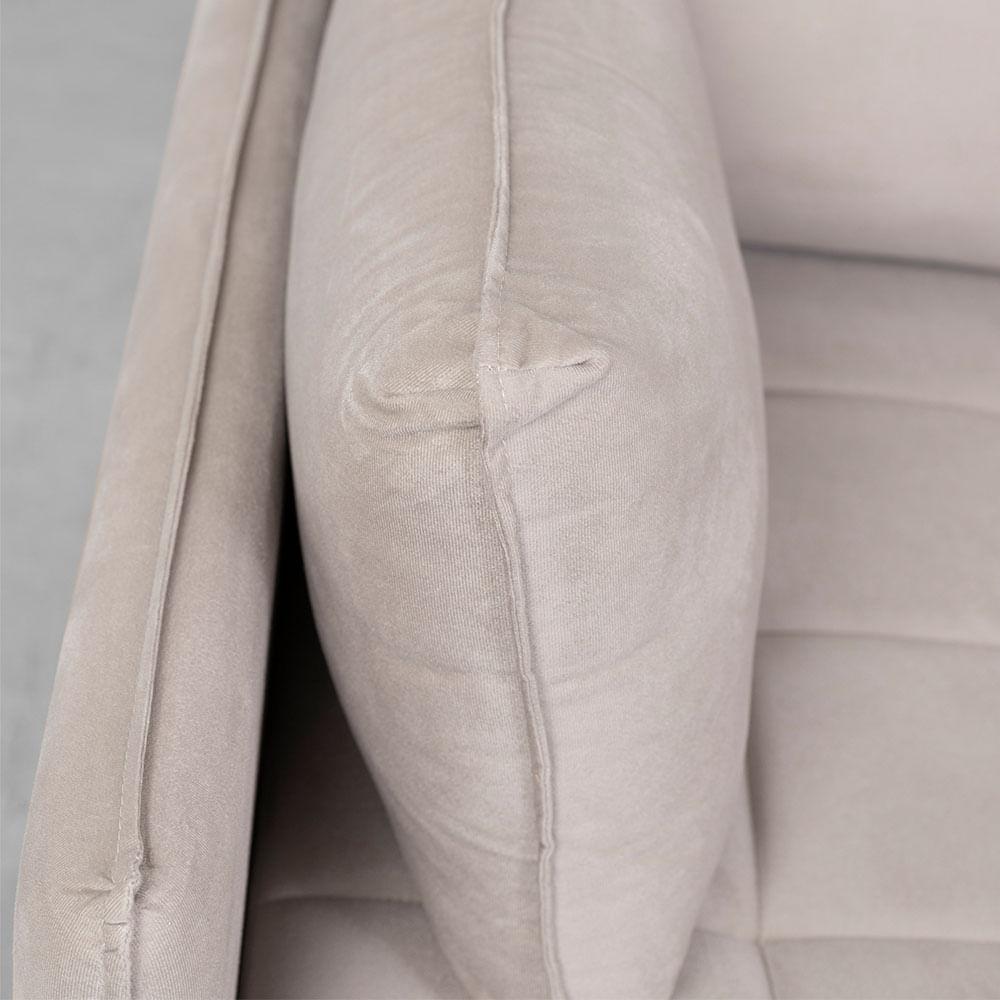 sofa-cama-nino-cinza-almofada
