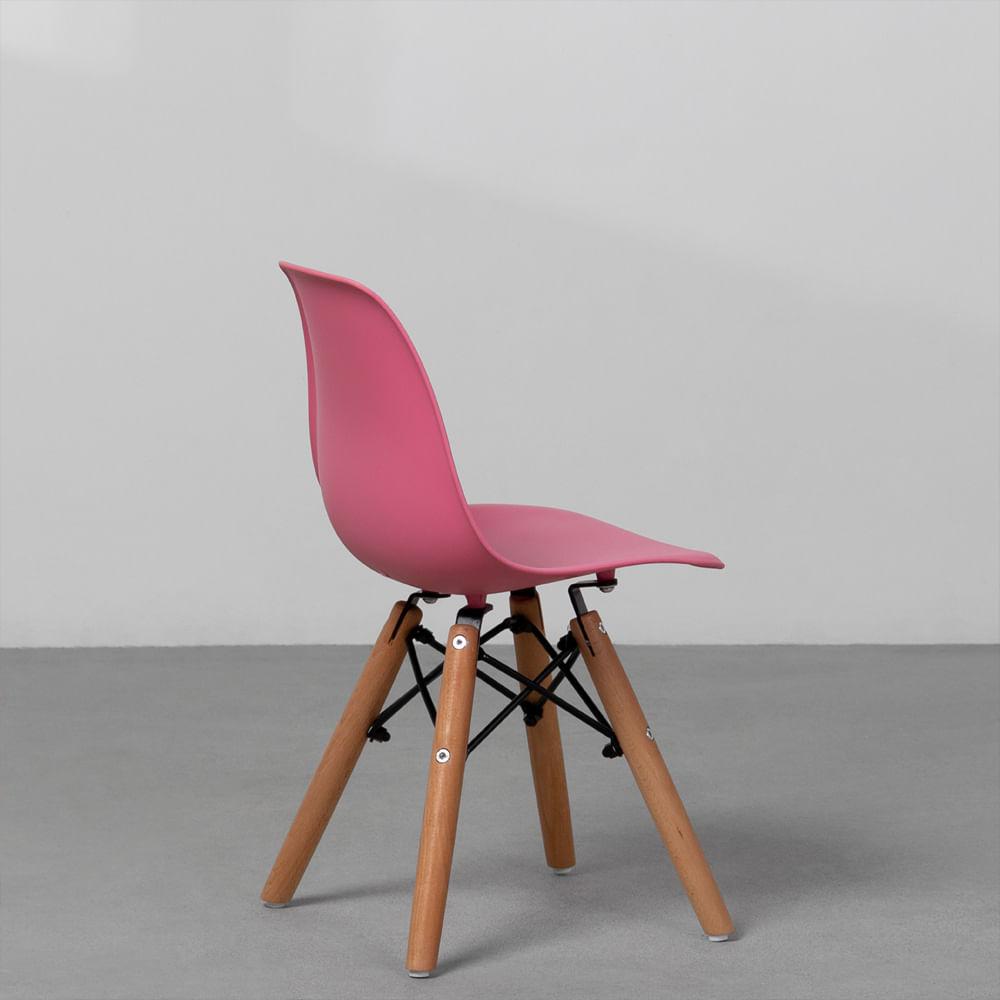 cadeira-eiffel-infantil-base-madeira-rosa-diagonal-traseira