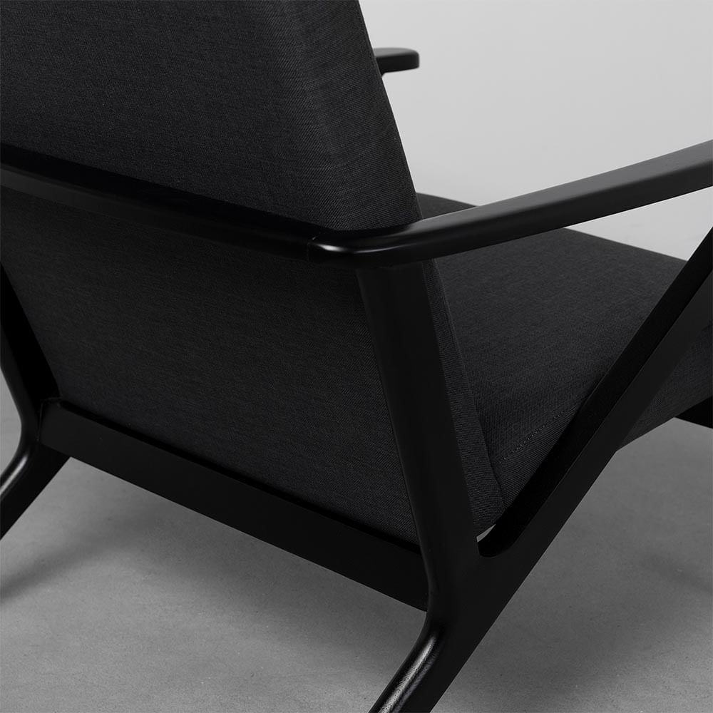 poltrona-erik-em-tecido-e-madeira-preta-detalhe-curva.jpg