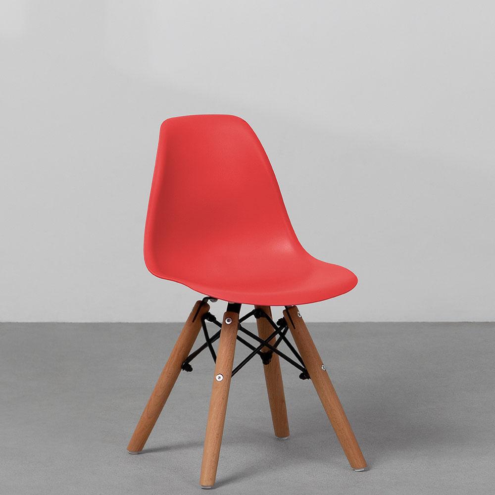 cadeira-eiffel-infantil-base-madeira-vermelha-diagonal