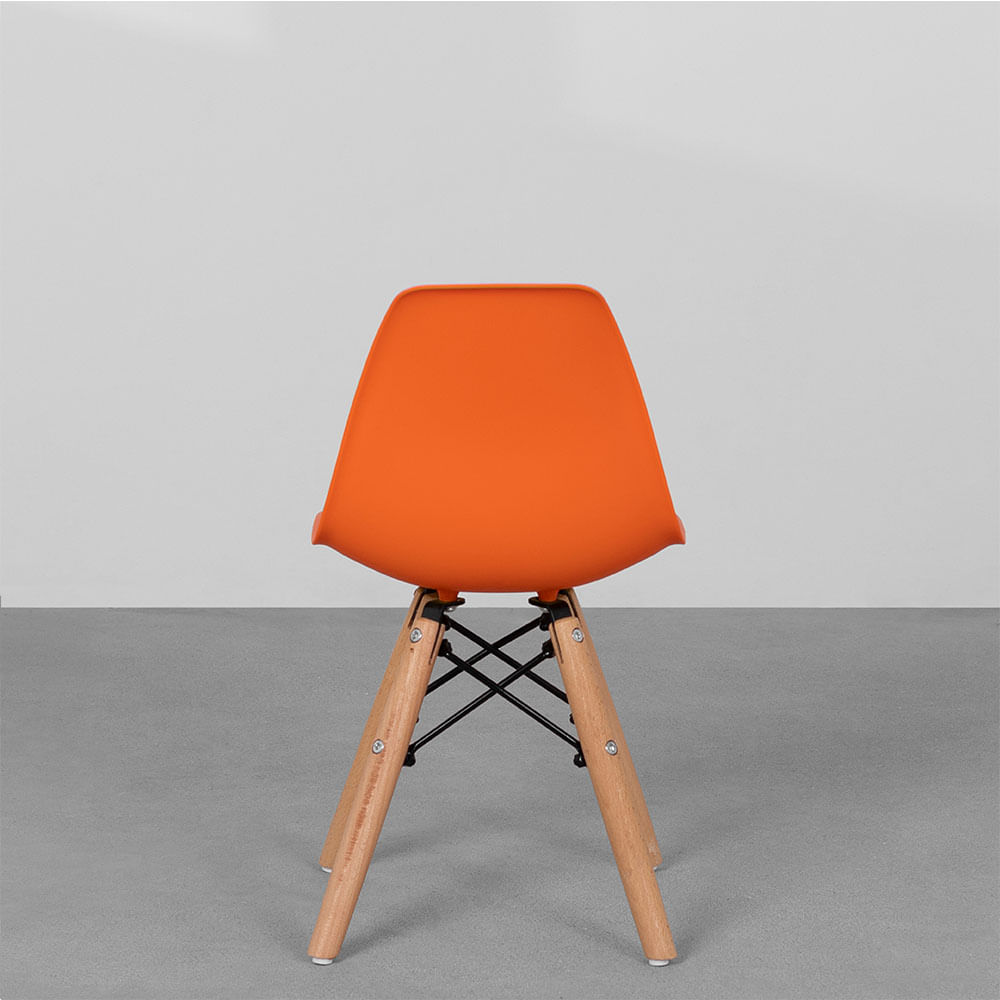 cadeira-eiffel-infantil-base-madeira-laranja-traseira