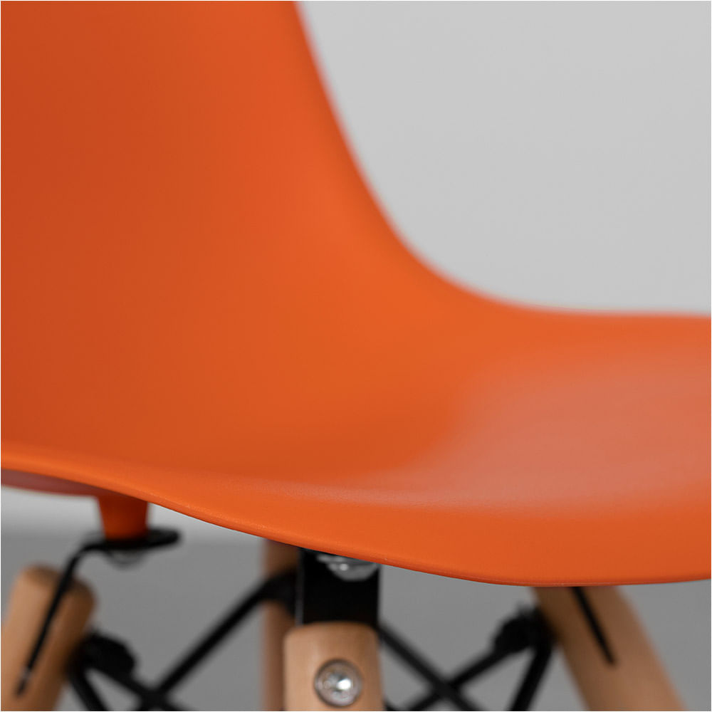 cadeira-eiffel-infantil-base-madeira-laranja-aco