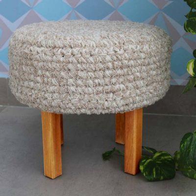 puff-mescla-croche-algodao-e-chenille-com-pes-madeira-35x31-cru