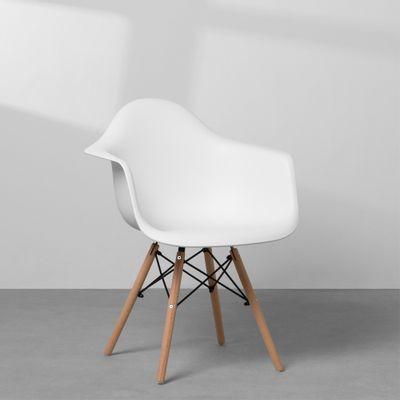 cadeira-eiffel-com-braco-e-base-madeira-branco-diagonal