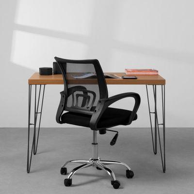 kit-home-office-mesa-industrial-iron-115-cm-cadeira-de-escritorio-italia-preto-com-detalhes-na-mesa