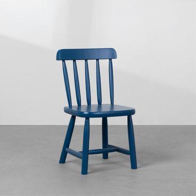 cadeira-mia-infantil-base-madeira-azul-diagonal